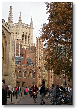 Trinty Street - Cambridge University - Travel England